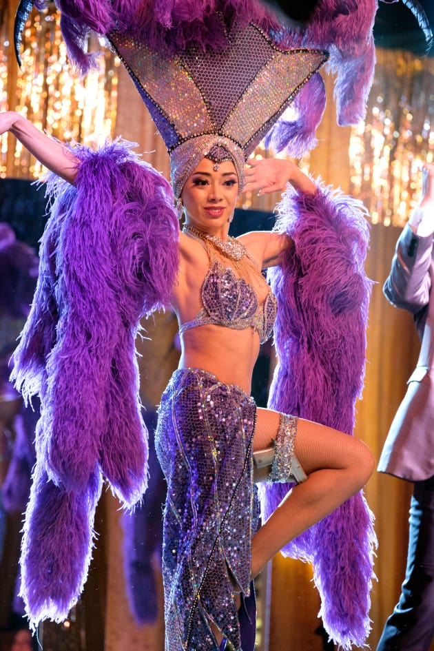 Showgirl Ella - Lucifer Season 3 Episode 6