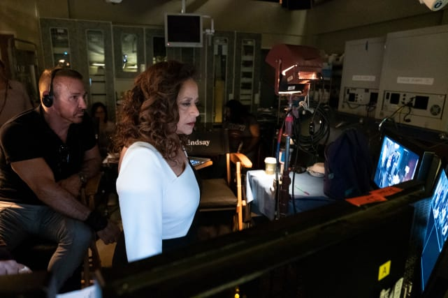 Doing What She Loves - Grey's Anatomy Season 15 Episode 25