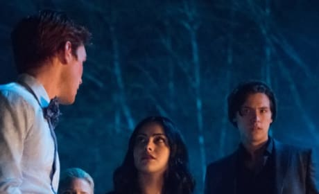 Mysterious Invite - Riverdale Season 3 Episode 22