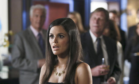 A Shocked Zoe - Hart of Dixie Season 4 Episode 3