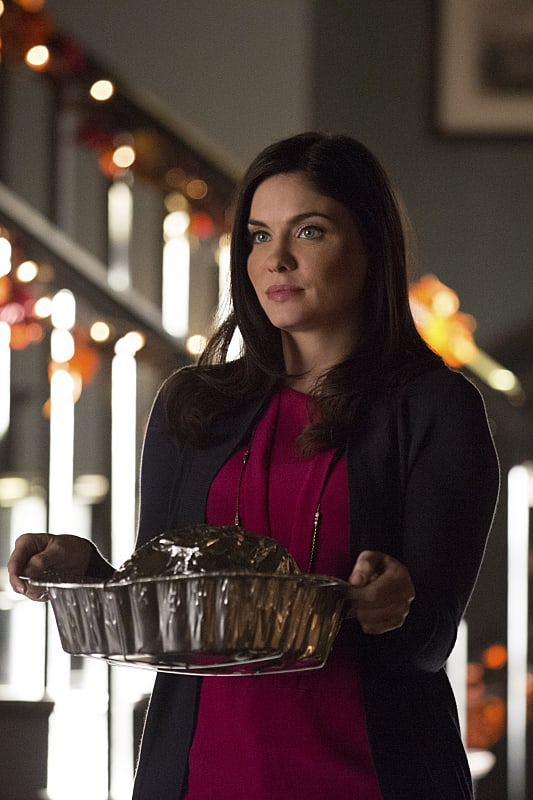 Jo as Hostess - The Vampire Diaries Season 6 Episode 8