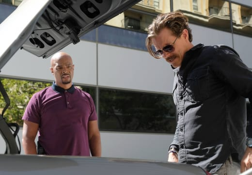 A Surprise in the Trunk - Lethal Weapon Season 2 Episode 1