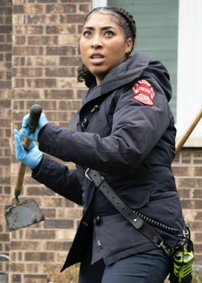Mackey holds - Chicago Fire Season 9 Episode 3