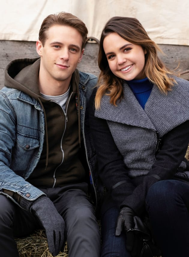 Luke and Grace Wait for the Hayride - Good Witch Season 5 Episode 8