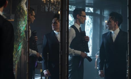 Mixed Signals - Gotham Season 3 Episode 7
