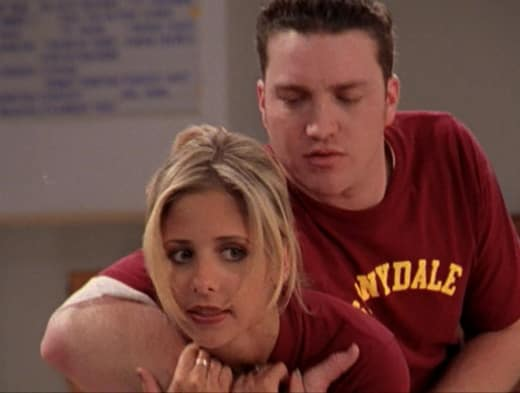Fake Weakling - Buffy the Vampire Slayer Season 2 Episode 15