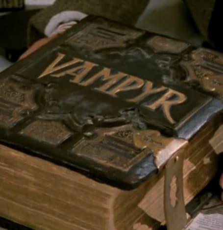 Some Light Reading - Buffy the Vampire Slayer Season 1 Episode 1