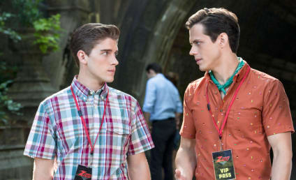 The Carrie Diaries Q&A: Brendan Dooling on Walt's Love Life, The High School Closet