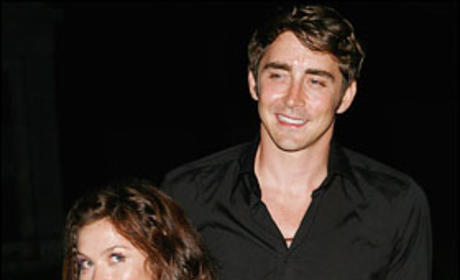Anna Friel and Lee Pace
