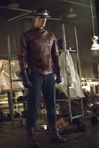Flash Assist! - The Flash Season 2 Episode 2