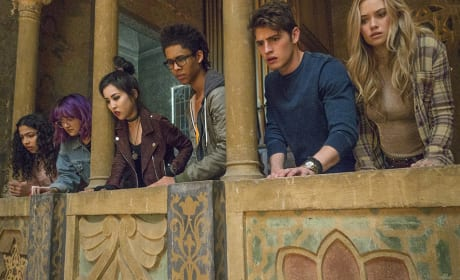 The Runaways - Marvel's Runaways Season 1 Episode 1