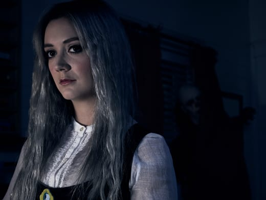 Billie Lourd as Winter — American Horror Story Season 7 Episode 1