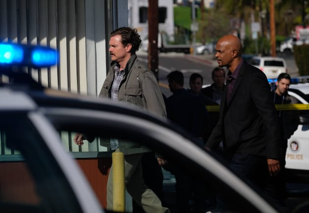 Heading Over - Lethal Weapon Season 1 Episode 15
