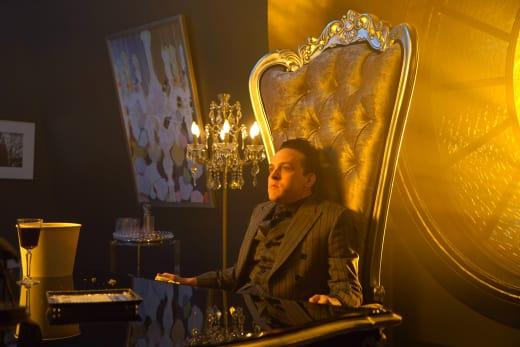 Sitting on His Throne - Gotham Season 4 Episode 6