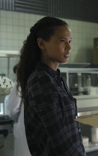 Protecting Ryn - Siren Season 2 Episode 14