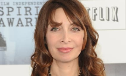 Illeana Douglas Cast as Lily's Sister on Gossip Girl