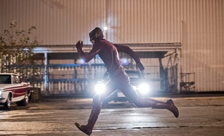 Doesn't Look Fast - The Flash Season 2 Episode 12