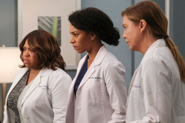 Photo of Grey's Anatomy Season 16 Episode 21 Review: Put on a Happy Face | TV Fanatic