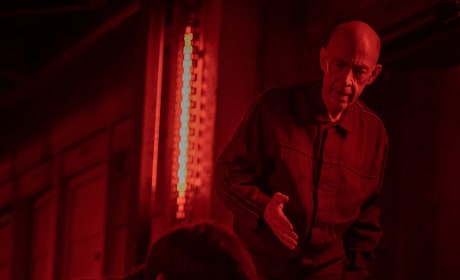 On the Hunt - Counterpart Season 2 Episode 5