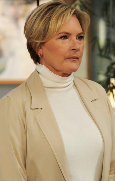 Fay Makes a Decision - Suits Season 9 Episode 3