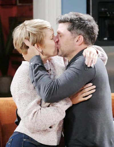 Eric and Nicole Reunite - Days of Our Lives