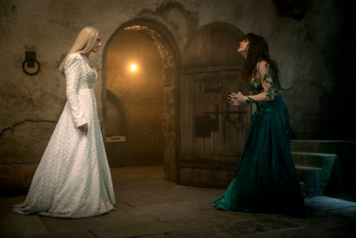 The Witches Meet Again - Emerald City Season 1 Episode 5