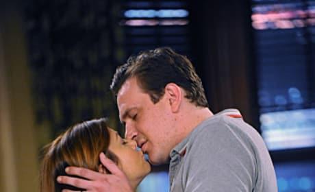 Marshall and Lily Kiss