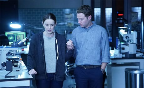 Simmons Deals with PTSD - Agents of S.H.I.E.L.D. Season 3 Episode 3
