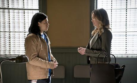 Meeting Laurel - The Flash Season 1 Episode 19