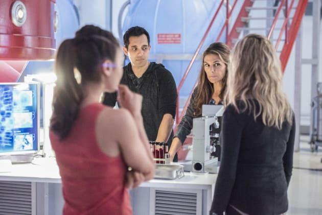 Group Meeting — The 100 Season 4 Episode 8