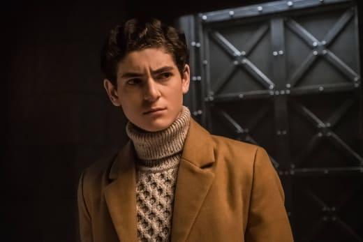 Bruce Returns Home - Gotham Season 3 Episode 20