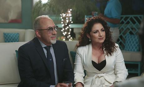 Emilio and Gloria Estefan - Jane the Virgin