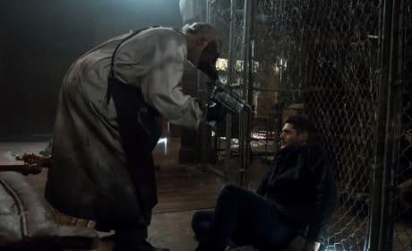 Dean versus ghost - Supernatural Season 13 Episode 5