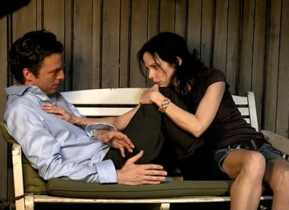 Watch Weeds Season 5 Episode 9 Online