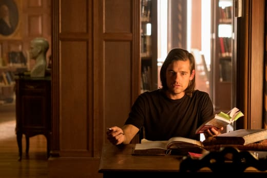 Quentin's hitting the books - The Magicians Season 2 Episode 7