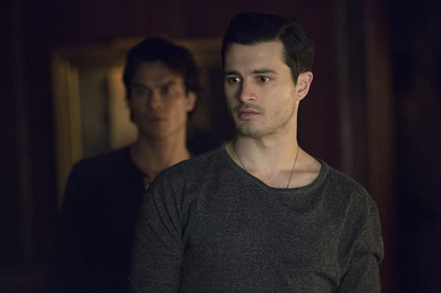Damon's Here To Help - The Vampire Diaries Season 7 Episode 21