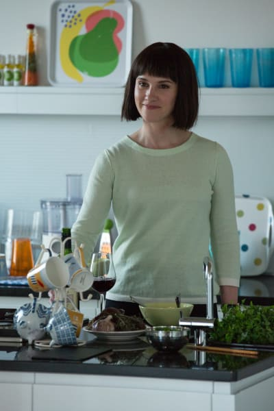 Karen at Home - Humans Season 2 Episode 2