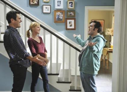 Watch Modern Family Season 3 Episode 9 Online