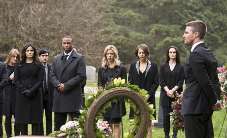 Saying goodbye - Arrow Season 4 Episode 19