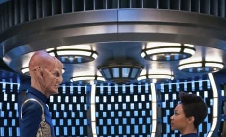 Vertical Saru and Burnham - Star Trek: Discovery Season 2 Episode 1