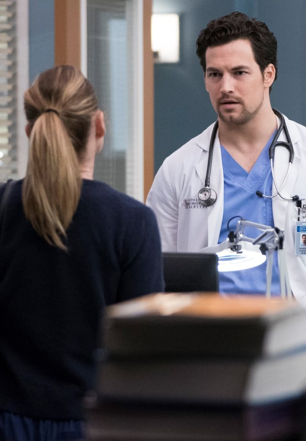 A Disagreement - Tall - Grey's Anatomy