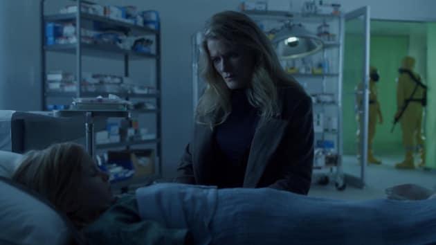 Saving Hannah - 12 Monkeys Season 2 Episode 8