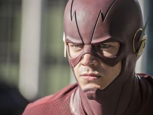 Closeup - The Flash Season 2 Episode 1