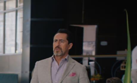 Concerned Father - Grand Hotel Season 1 Episode 6