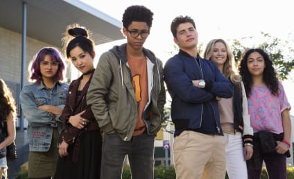 Marvel's Runaways Review: Hulu's Riverdale -- It's One to Watch!