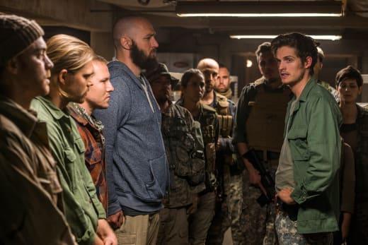 Rounding up the troops - Fear the Walking Dead Season 3 Episode 6