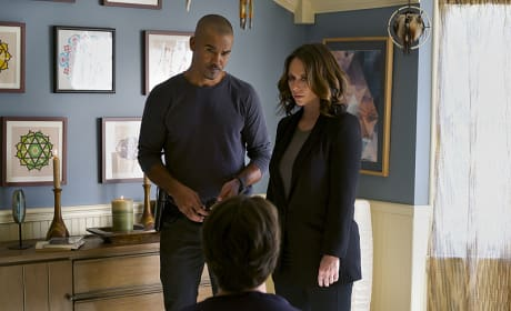 Kate and Morgan in The Forever People - Criminal Minds Season 10 Episode 11