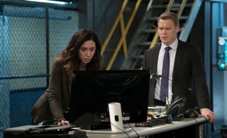Ressler and Samar watch SNL - The Blacklist Season 4 Episode 14