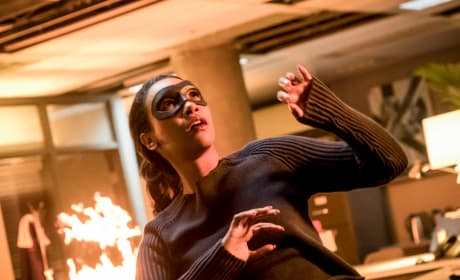 DC TV Photos: Iris Suits Up, Roy Returns to Star City & So Much More!