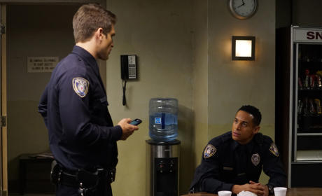 Is A Texting You Now? - Pretty Little Liars Season 6 Episode 7